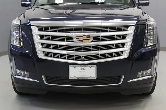 new 2019 cadillac escalade luxury 4d sport utility in westchester rh pepeautogroup com
