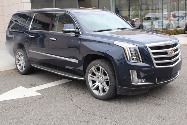 New 2018 Cadillac Escalade ESV Luxury